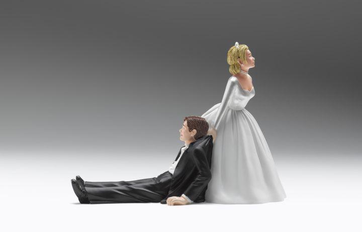 Wedding figurines relationship difficulties