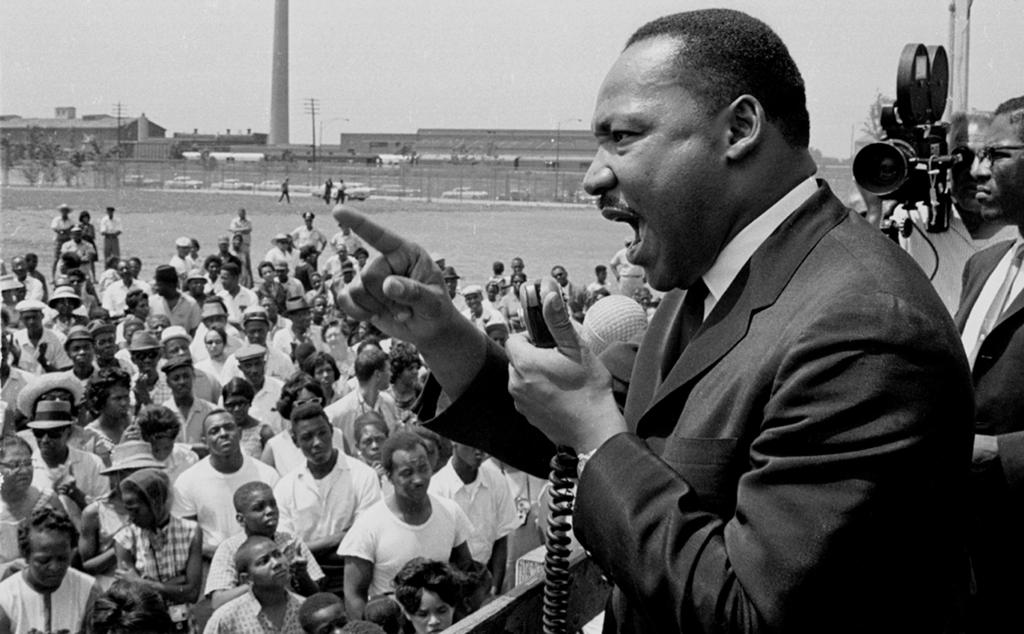 Dr. King Speaks At Rally