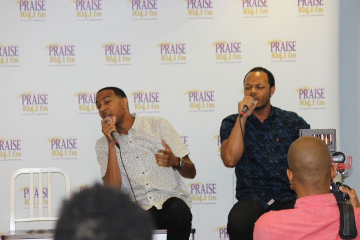 Praise Unplugged