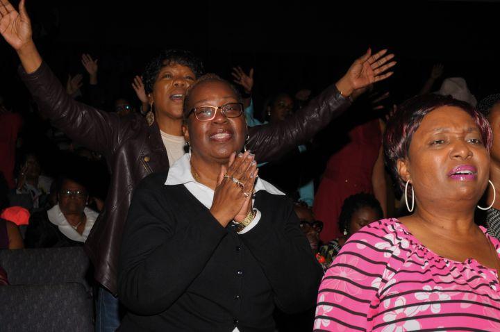 Praise Moments At Spirit Of Praise